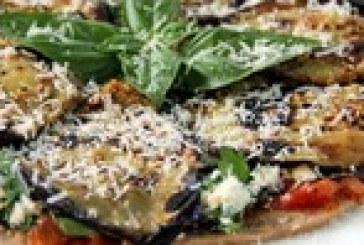 طرز تهیه پیتزا فوق خوشمزه با بادمجان !