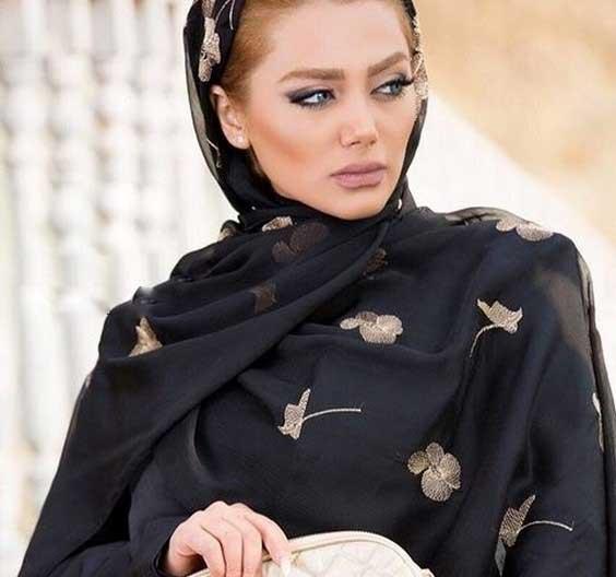 روسری مجلسی مشکی حریر گلدار