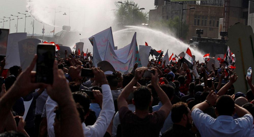 تظاهرات در بغداد دامن چند شهر دیگر را نیز گرفت و گسترده