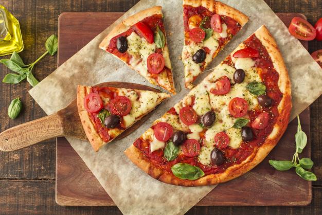خمیر پیتزا نازک