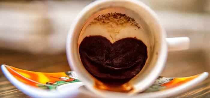 آدم در فال قهوه