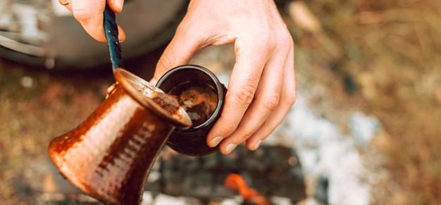 طرز تهیه قهوه با شیر ، نحوه درست کردن قهوه با قهوه جوش